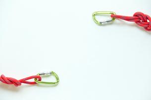 ロープとカラビナの写真素材 [FYI02436130]