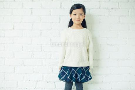 笑顔の可愛い女の子の写真素材 [FYI02444803]