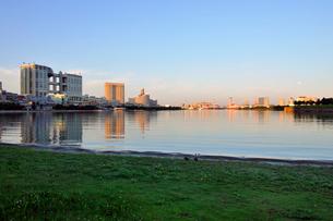 早朝のお台場風景の写真素材 [FYI02446149]