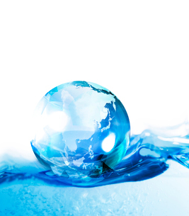 水と地球の写真素材 [FYI02446278]
