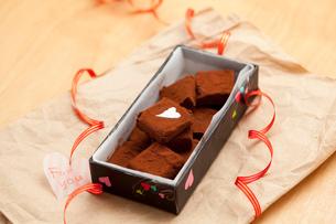 手作り生チョコプレゼント「For you」の写真素材 [FYI02448276]