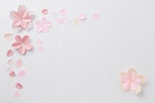 桜ペーパークラフトイメージの写真素材 [FYI02450338]