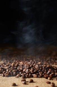 コーヒー豆の写真素材 [FYI02450414]