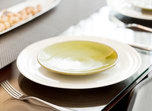 ダイニングテーブルの写真素材 [FYI02457106]