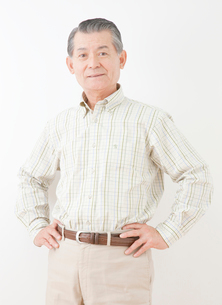 60代男性のポートレートの写真素材 [FYI02457364]