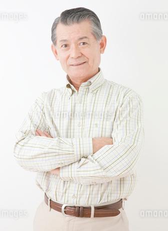 60代男性のポートレートの写真素材 [FYI02457681]