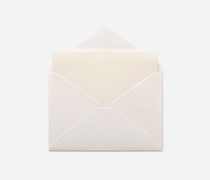 封筒と便箋の写真素材 [FYI02457735]