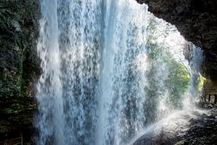 雷滝の写真素材 [FYI02461679]
