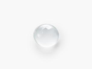 丸くなった透明ジェルの写真素材 [FYI02465115]