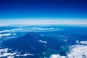 空から見下ろした富士山の写真素材 [FYI02465567]
