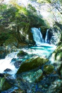 音水渓谷の滝の写真素材 [FYI02472971]