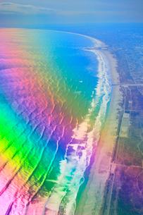 虹色に輝く海と九十九里浜の写真素材 [FYI02474863]