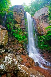 銚子溪の銚子の滝の写真素材 [FYI02475846]