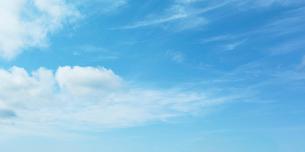 青空と雲の写真素材 [FYI02499902]