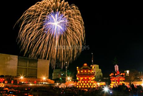 秩父夜祭の花火の写真素材 [FYI02500518]