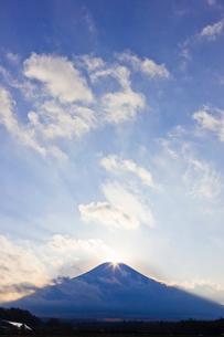 ダイヤモンド富士の写真素材 [FYI02500719]