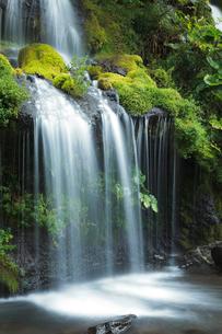 清里高原の吐竜の滝の写真素材 [FYI02503726]