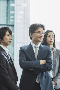 ビジネスマンとビジネスウーマンの写真素材 [FYI02510124]
