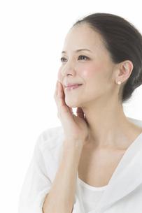 中年女性の美容イメージの写真素材 [FYI02511903]