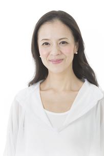 中年女性の美容イメージの写真素材 [FYI02511955]