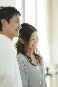 笑顔の夫婦の写真素材 [FYI02512733]