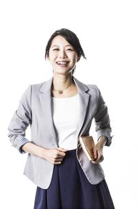 笑顔のビジネスウーマンの写真素材 [FYI02512806]