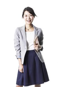 笑顔のビジネスウーマンの写真素材 [FYI02513078]