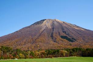 桝水高原より望む大山の写真素材 [FYI02517505]
