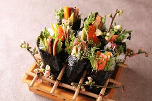 手巻き寿司の写真素材 [FYI02524165]