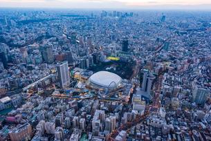 東京ドーム,空撮の写真素材 [FYI02525308]
