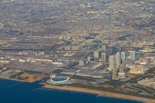 飛行機から見た千葉県幕張の写真素材 [FYI02525394]