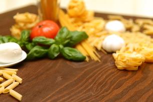 食材(パスタ)の写真素材 [FYI02525594]