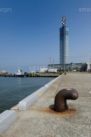 セリオンと秋田港の写真素材 [FYI02528467]