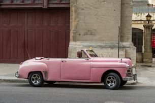 キューバ クラシックカーの写真素材 [FYI02532502]