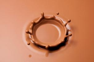 ミルクチョコレートのクラウンの写真素材 [FYI02534872]