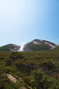 川湯硫黄山の写真素材 [FYI02538521]