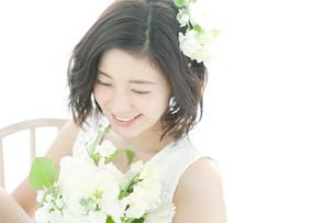 笑顔の20代女性の写真素材 [FYI02538818]