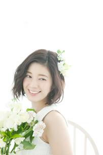 笑顔の20代女性の写真素材 [FYI02538887]