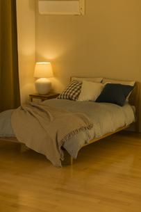 ベッドルームの写真素材 [FYI02539249]