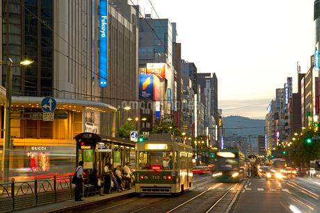 広島市八丁堀交差点の夜景の写真素材 [FYI02542248]