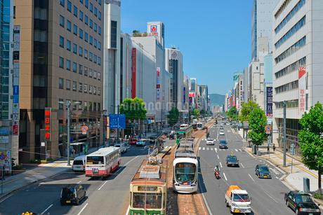 広島市相生通りの街並みの写真素材 [FYI02542678]