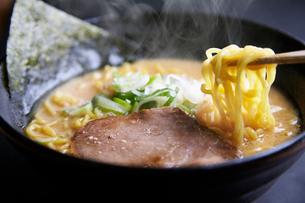 札幌味噌ラーメンの写真素材 [FYI02543746]