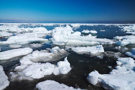 野付半島の流氷の写真素材 [FYI02557212]