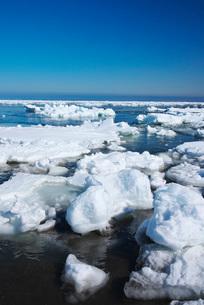 野付半島の流氷の写真素材 [FYI02557522]