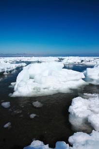 野付半島の流氷の写真素材 [FYI02558226]