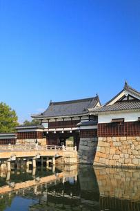 広島城 表御門と御門橋の写真素材 [FYI02560347]