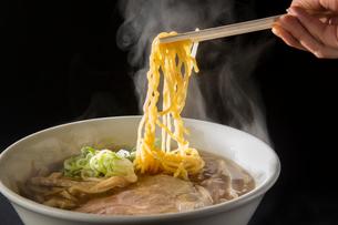 札幌醤油ラーメンの写真素材 [FYI02562832]