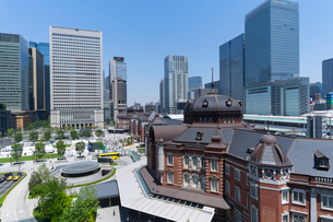 東京駅丸の内口の風景の写真素材 [FYI02563151]