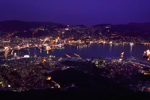 長崎夜景 稲佐山展望台の写真素材 [FYI02565761]