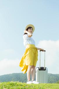 旅行を楽しむ女性の写真素材 [FYI02568072]